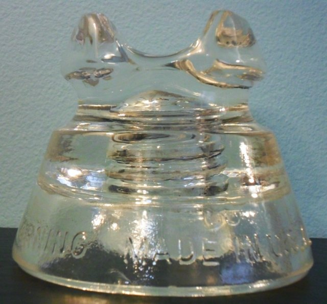 """CD 233 style power line insulator. Marked """"PYREX REG. U.S.PAT.OFF. // 661 / CORNING MADE IN U.S.A."""""""
