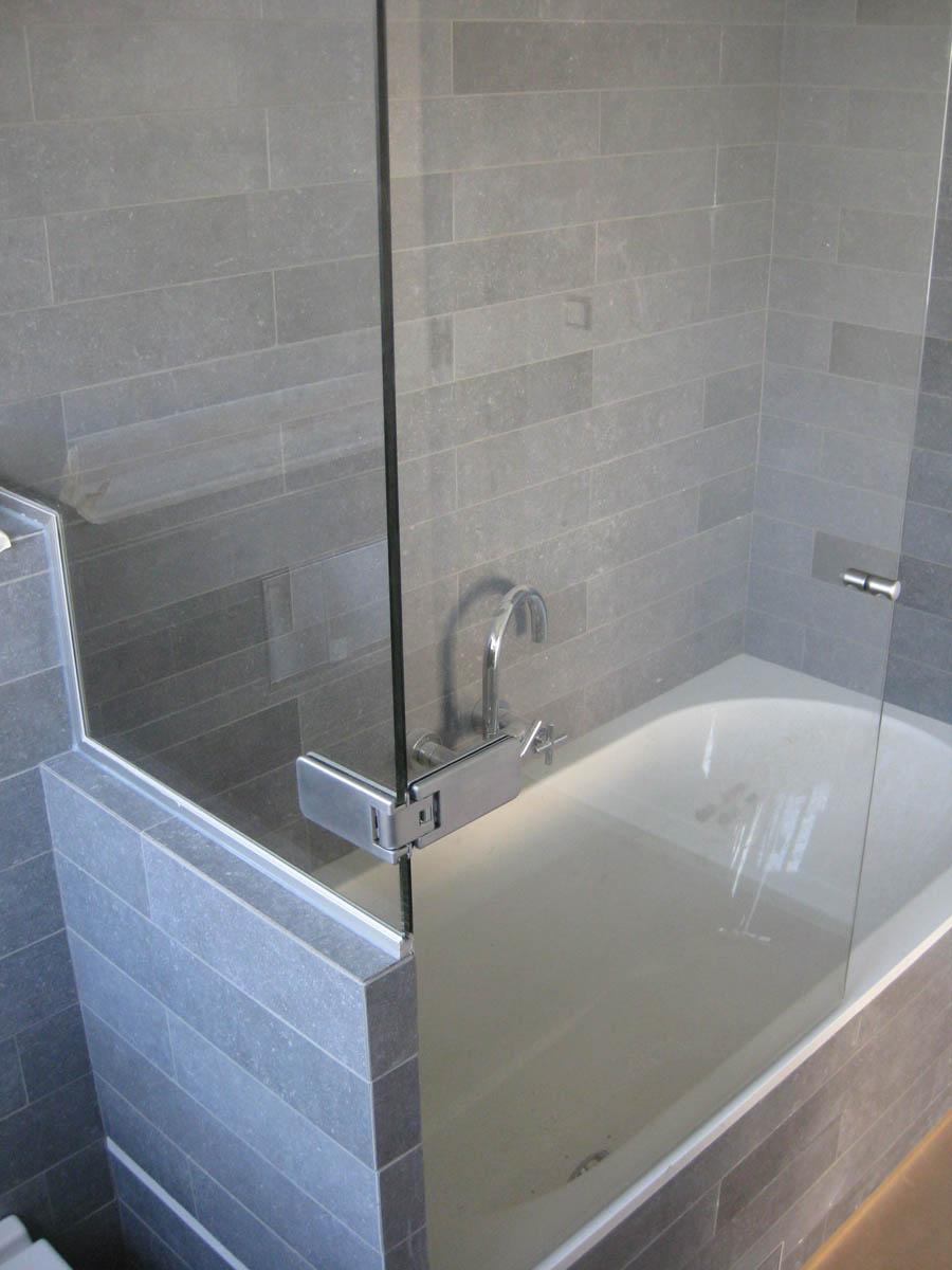 vitre de salle de bain pour baignoire