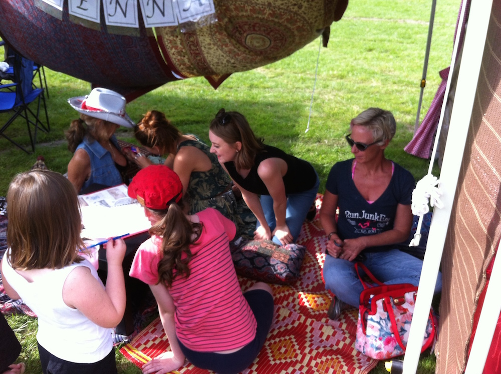 Moofest 2015 Rachel and Hanna Body Painting with Henna