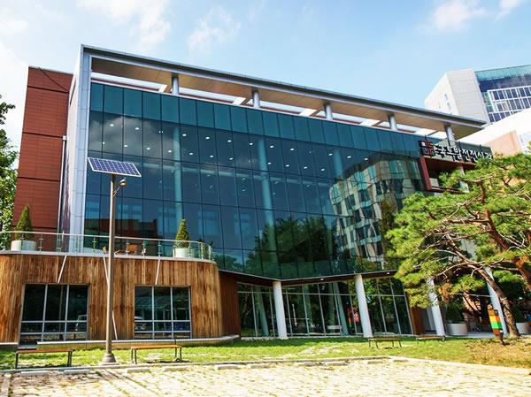 Korean Land Development Museum from Suntuitive Glass