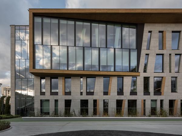 Guardian Glass Project: KhoroShkola Private Gymnasium