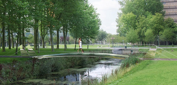 Rendering of the glass bridge on the TU Delft Campus. Illustration: TU Delft, Frank Auperlé