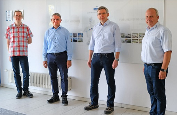 This team is implementing the A+W IoT Smart Trace project – from L: Robert Titze, IT Schollglas Sachsen; Torsten Brose, IT Manager, Schollglas Group; Frank Blum, Work Preparation Manager Schollglas Sachsen; Heiko Schuh, A+W Clarity Director Sales Central Europe. Not present: Dr. Klaus Mühlhans, Technical Director A+W and Thomas Lenz, A+W student employee.