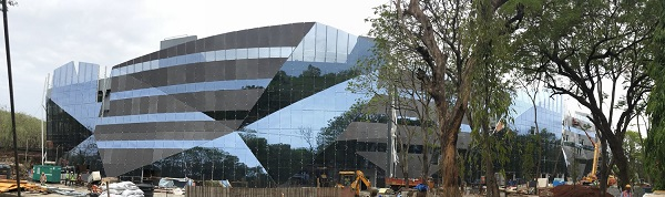 Cummins Technology Center in India: World's largest faceted wall
