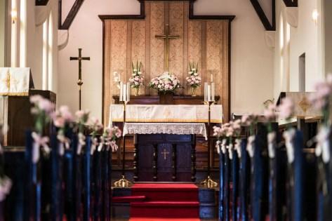 福井県福井市の聖三一教会の祭壇