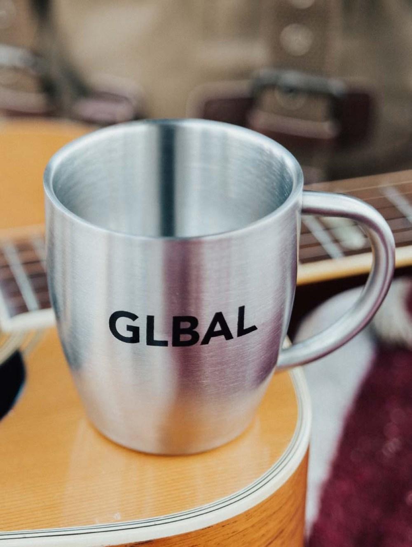 glbal mug guitar