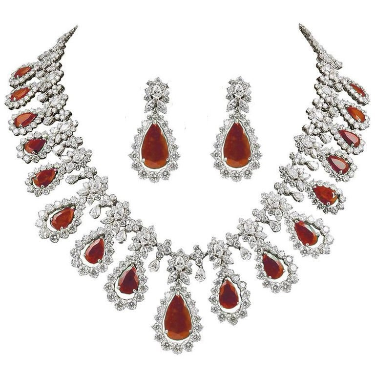 Decent Design Bridal Ruby Necklace with Earrings
