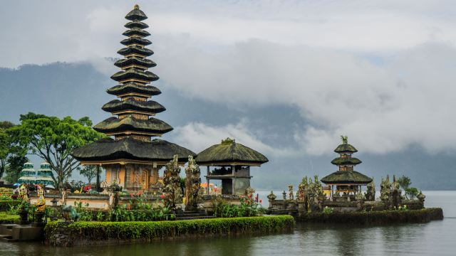 Bind date travel list Bali island