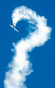 image of airshow performer flying a hammerhead turn