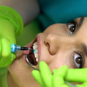 when to know a chipped tooth serious