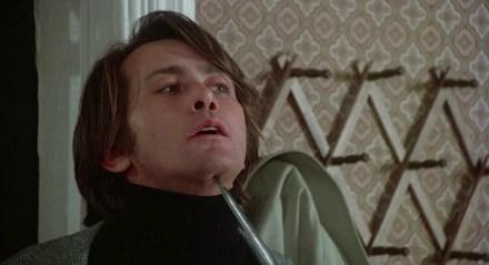 Quella strana ragazza che abita in fondo al viale (1976): un film difficile da inquadrare 5