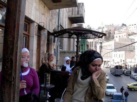 Jordan-travel-cafe-women-Glimpses-of-The-World