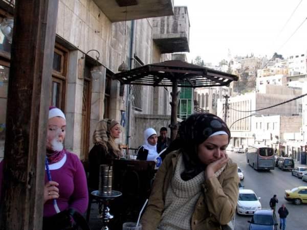 Jordan-travel-cafe-women-Glimpses-of-The-World