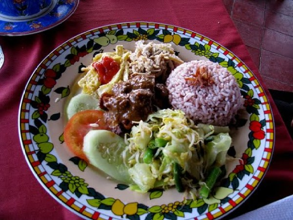 Travel-to-Bali-local-dishes-Glimpses-of-The-World
