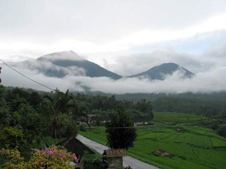 Travel-to-Bali-rice-paddies-clouds-Glimpses-of-The-World