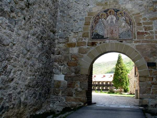 Serbia-travel-Despotovac-Manasija-monastery-Glimpses-of-The-World
