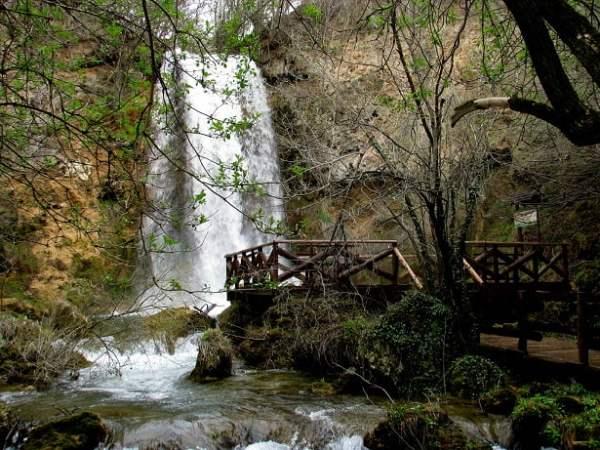 Serbia-travel-Despotovac-Veliki-buk-Lisine-Glimpses-of-The-World