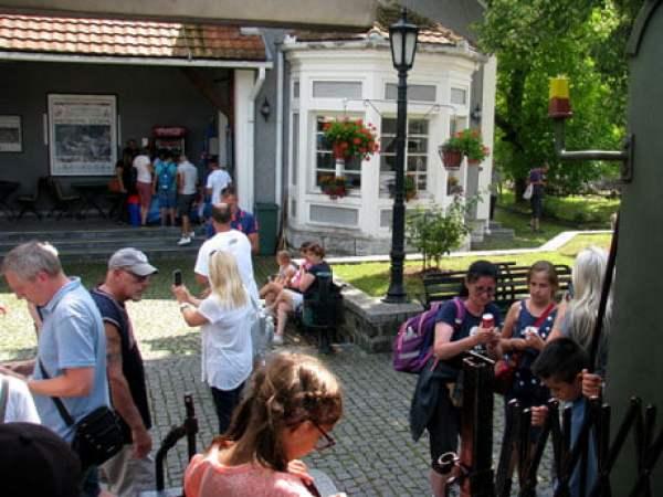 Serbia-travel-Mokra-Gora-Glimpses-of-The-World
