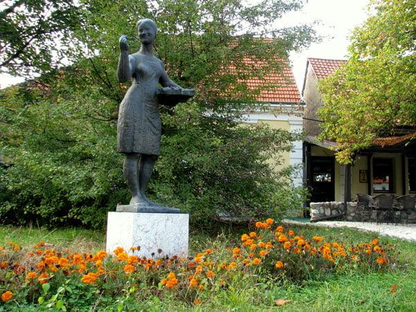 Serbia-travel-Arilje-center-Glimpses-of-the-World