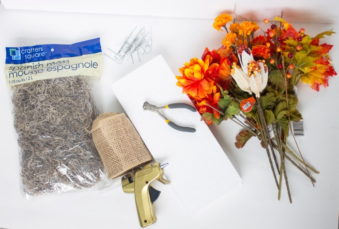 fall table display supplies