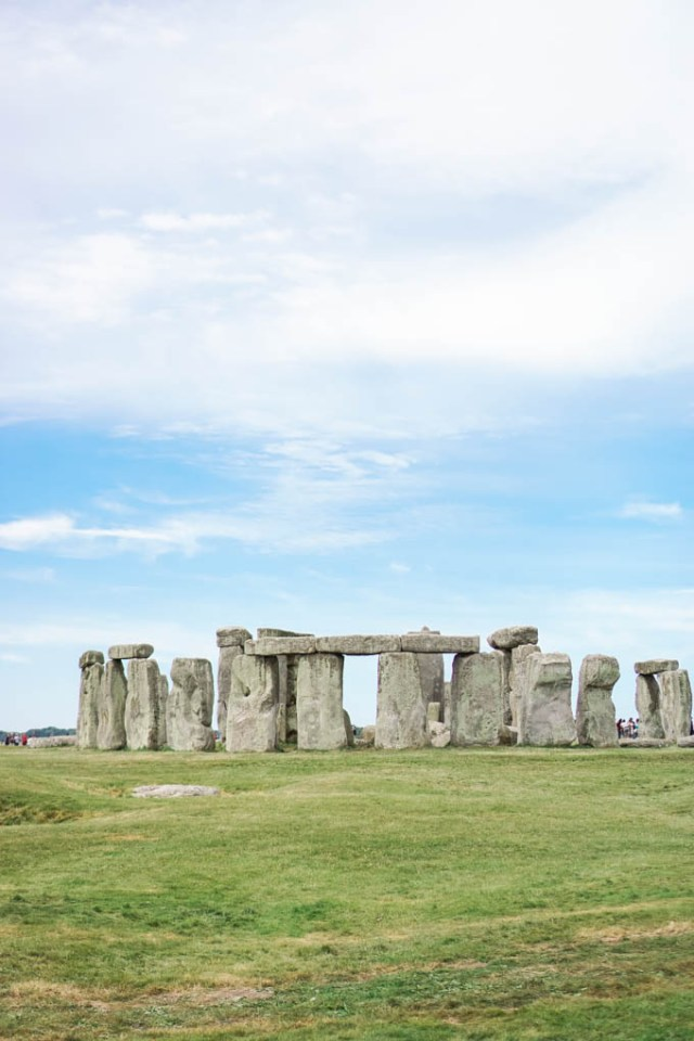 How to Get to Stonehenge from London | Best Day Trips from London by Coach | Bus Trips from London