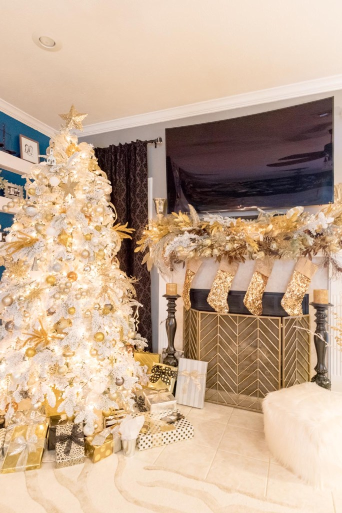 Christmas 2016: The Real Tree - Glittered with Design