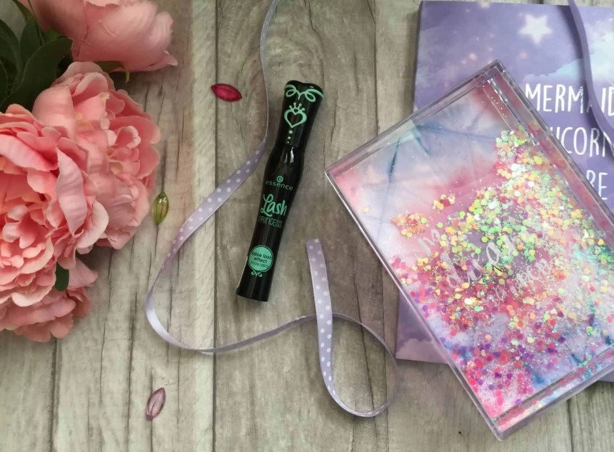 Get dramatic lashes with Essence Lash Princess False Lash effect mascara