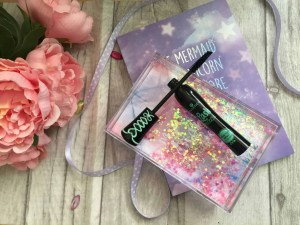Get dramatic lashs with Essence Lash Princess False Lash effect mascara brush