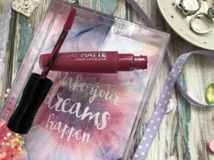 rimmel stay matte liquid lipstick in heartbeat review 1