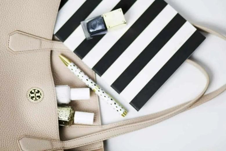 14 makeup fails that make makeup addicts cringe chipped nail varnish