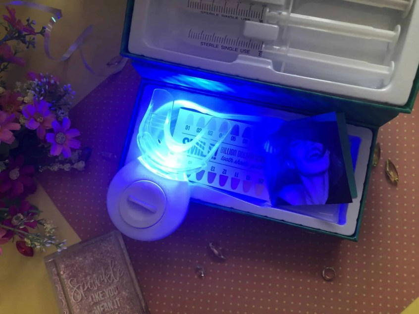 Discover if Billion Dollar Smile blue light can give you whiter teeth 1