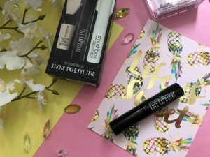 win a smashbox studio swag eye trio smashbox full exposure mascara