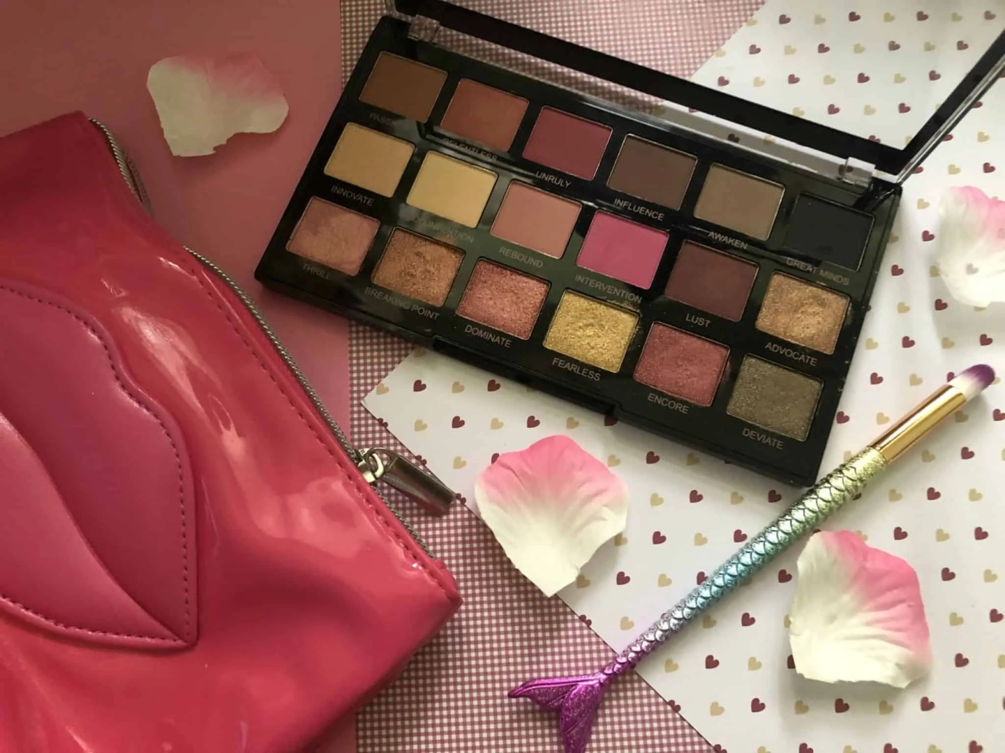 what's in my makeup bag winter edition revolution palette
