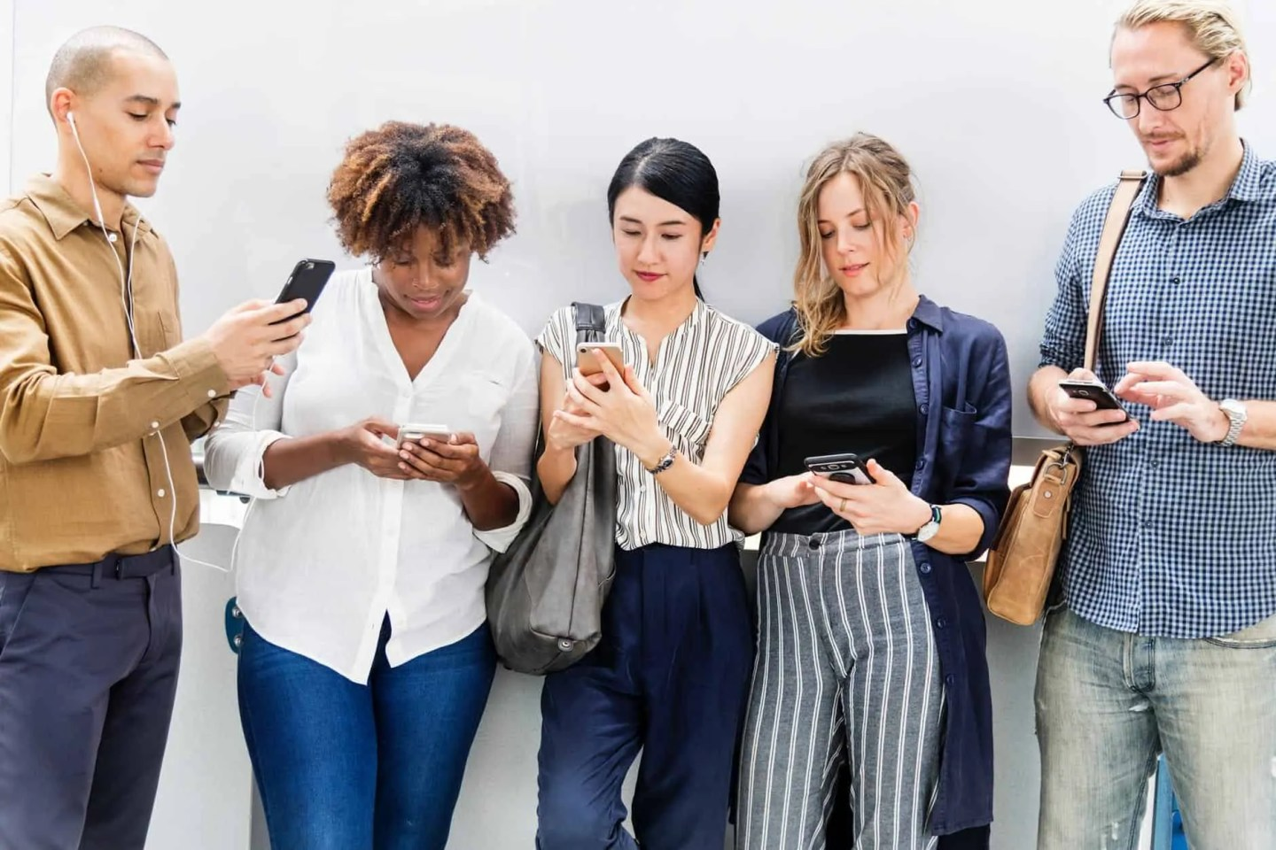 Discover how a digital detox can help you reconnect with friends and family