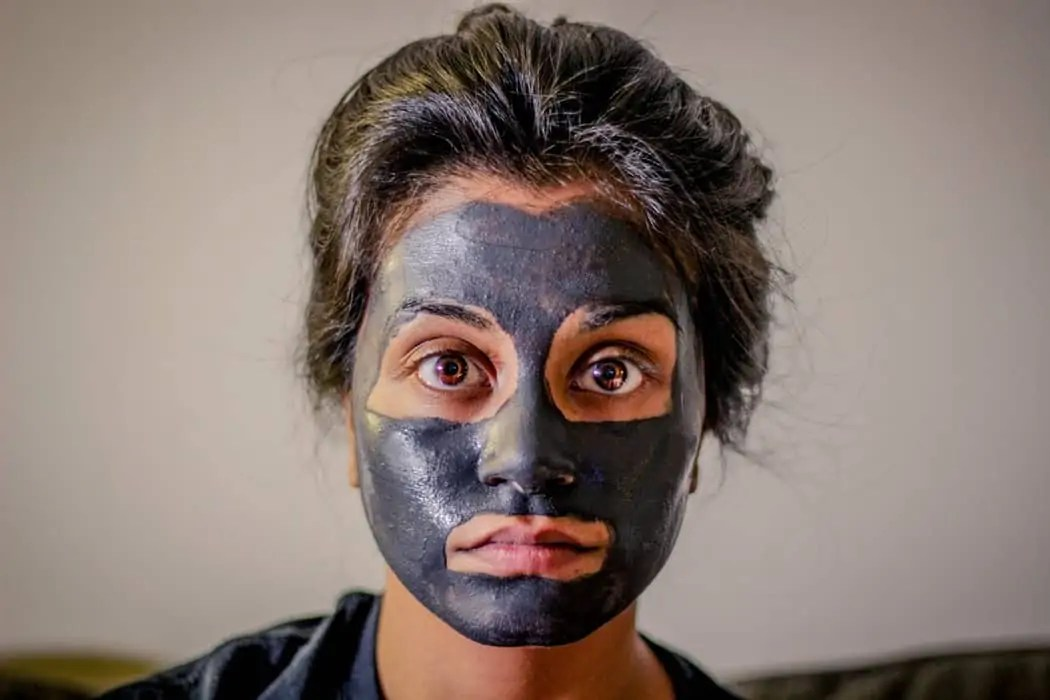 do a face mask on a plane to keep your skin hydrated