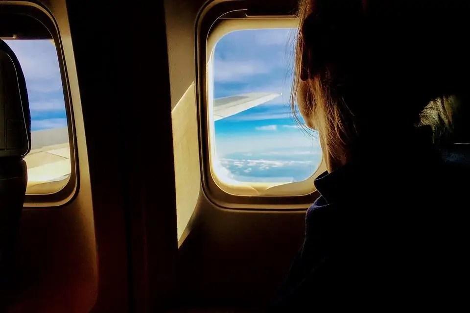 16 ways to avoid boredom on a aeroplane