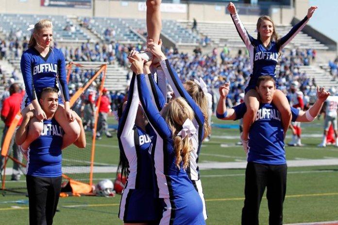 Buffalo Bulls cheerleader