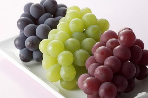 Three typs of Grapes