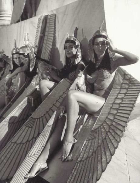 Extras on the set of 'Cleopatra', 1963.