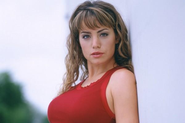 Smallville Season - Erica Durance