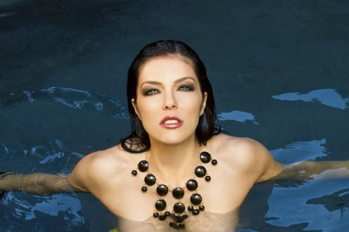 Adrianne Curry (Cycle 1)