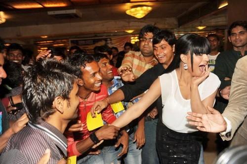 Veena Malik recieved 137 kisses on her hand.