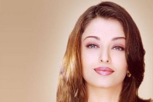 Aishwarya Rai Most Kissable Actresses