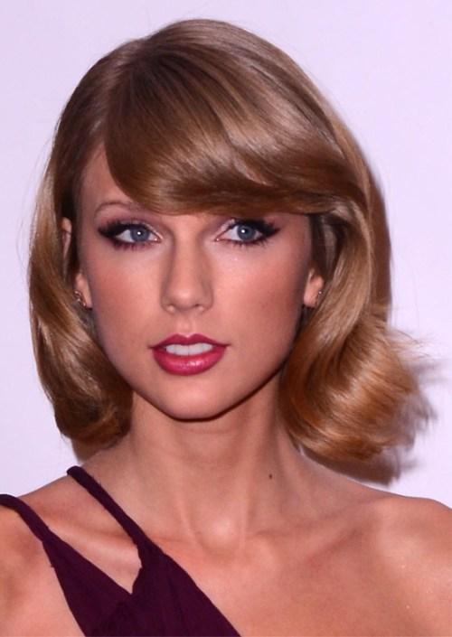 Taylor Swift's Short Retro Hair do