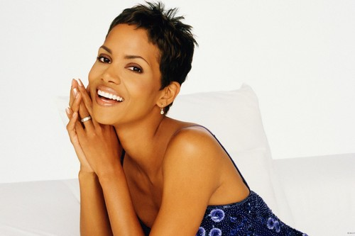 Halle Berry Black Beauties Acing the Hollywood like Queen