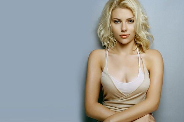Scarlett Johansson Most Popular Hollywood Actresses