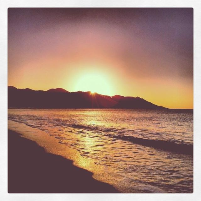 sunset reasons to love australia beach