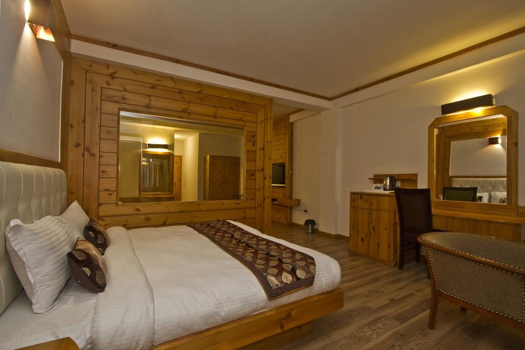 The Whispering Inn By Vivaan, Club House Road, Manali