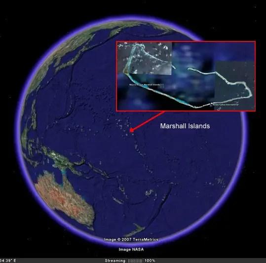 Ubicació de larxipèlag de les Marshall al globus teraqüi. Observeu que larxipèlag és tanca formant pràcticament un cercle.
