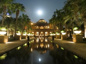 where to stay in dubai